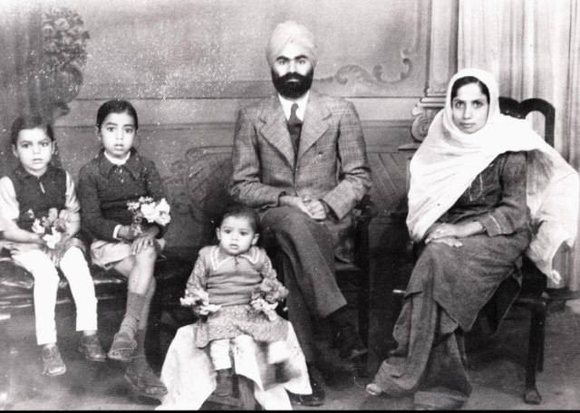 Picture of the Family-Karachi, Dec 1942