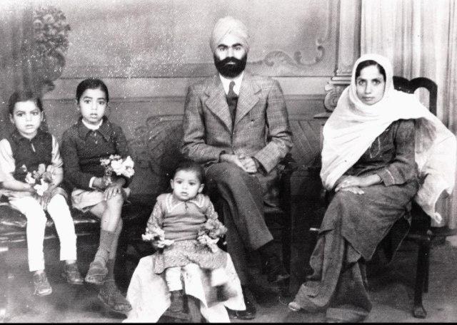 Family Karachi 42