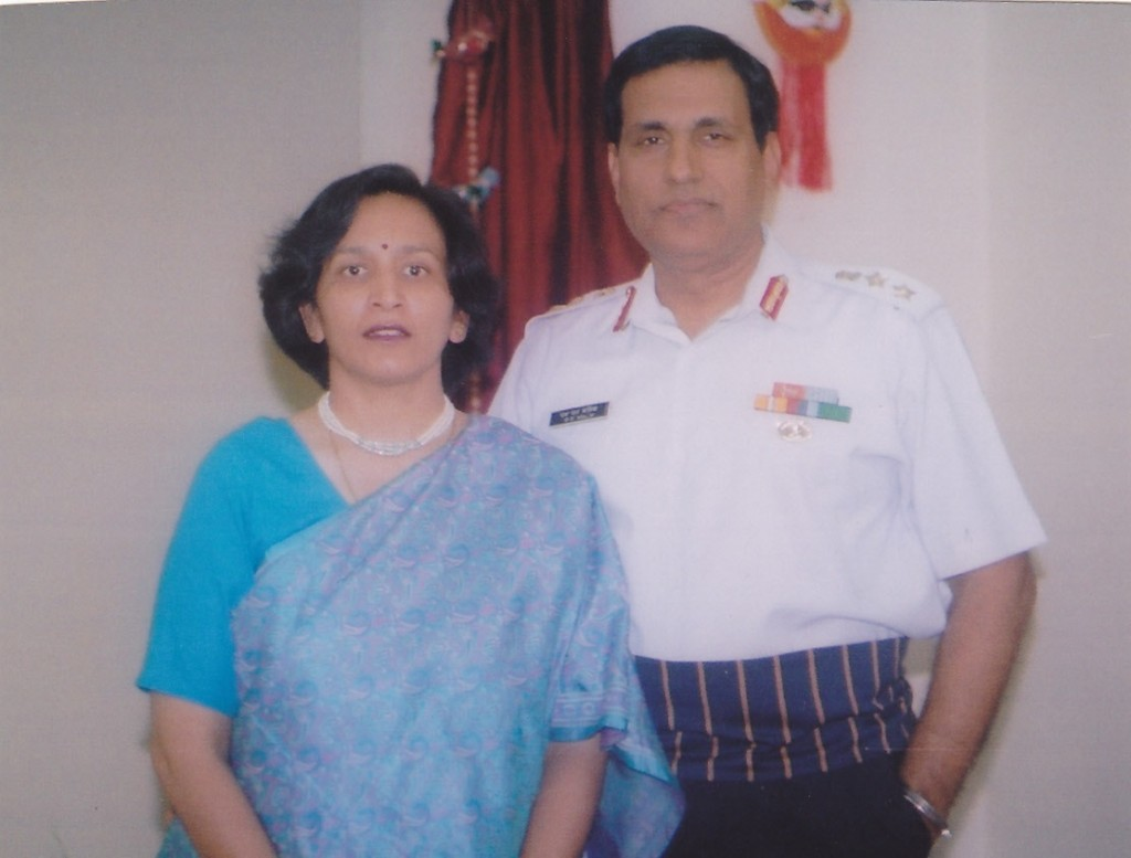 smalik with wife