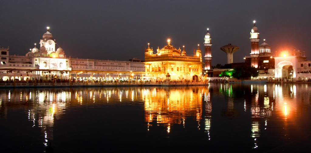 Night_View_Golden_Temple