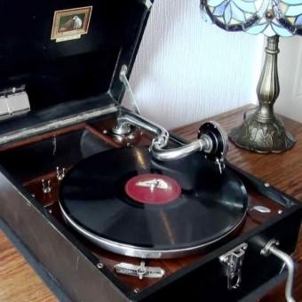 HMV gramaphone